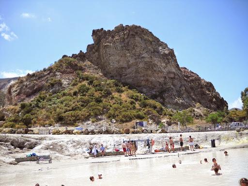 знаменитые сероводородные грязи острова Вулкано