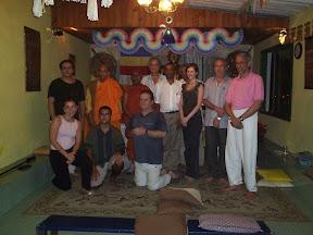 Bhante Vipassi, Bhante Gunaratana, amigos e Diretoria da SBB (2006)