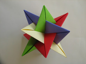 Four Intersecting Triangles by Tung Ken Lam Instructions: http://www.davidpetty.me.uk/origamiemporium/images/lam_wxyz.gif