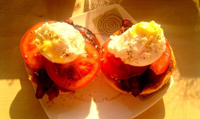 jajka po benedyktyńsku, śniadanie