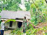 Hujan Lebat Akibatkan Tanah Longsor di Samigaluh Kulon Progo