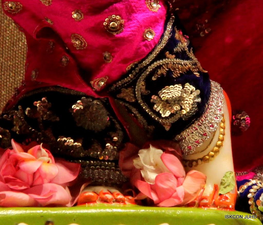 ISKCON Juhu Mangal Deity Darshan on 28th April 2016 (26)