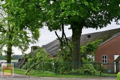 Noodweer zorgt voor ravage in Overloon 10-05-2012 (51).JPG