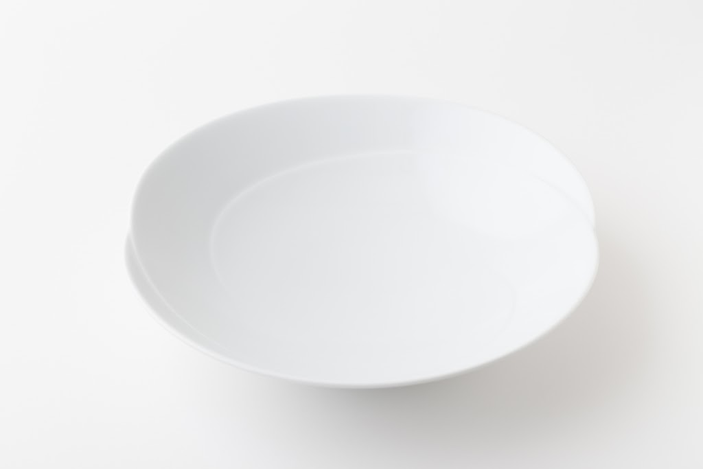 Tomoe Porcelain Tayoh-asabachi Flat Bowl M
