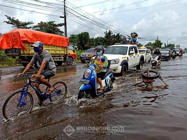 Jalan Trans Kalimantan Handil Bakti Rusak dan Berlubang Pengguna Jalan Resah