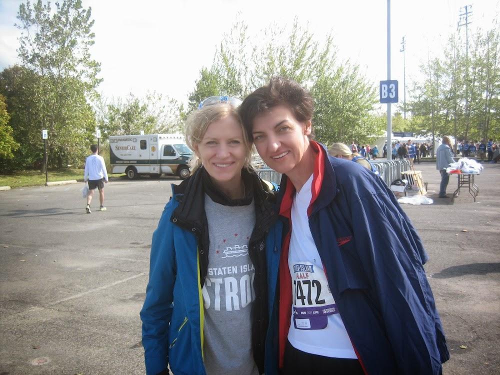 Bożena Niebrzydowska z Mary Wittenberg Prezydentem NYRRC- Organizatorem Maratonu nowojorskiego.