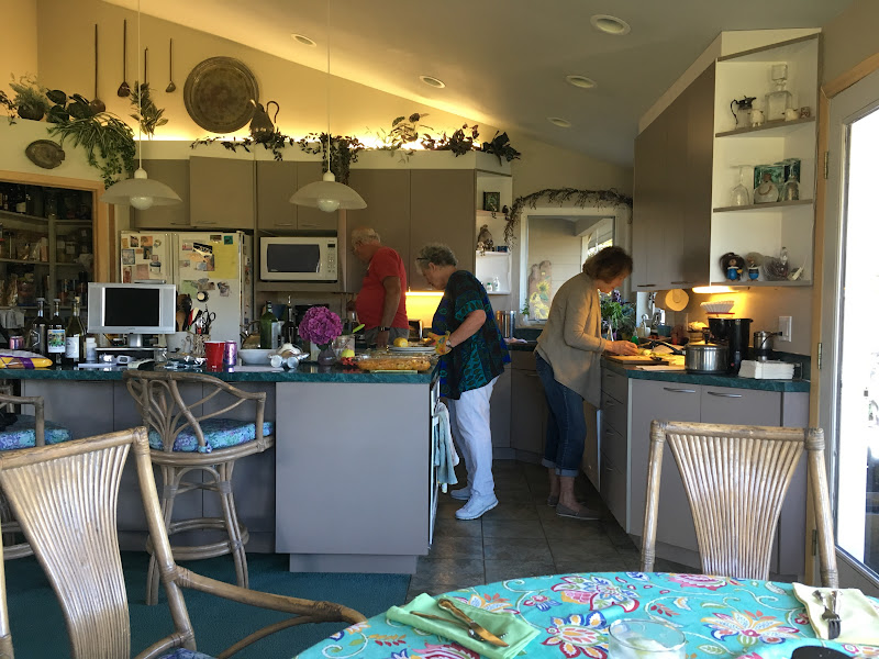 IMG_0917 - Bob Elaine Francie Meal prep