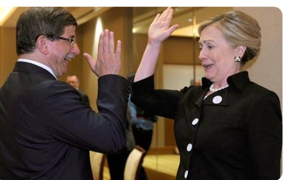 هيلاري كلينتون وداود أغلو صديق الغرب
