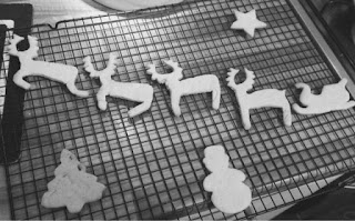 Christmas biscuits http://laura-honeybee.blogspot.com/2015/12/christmas-cooking-with-kids.html
