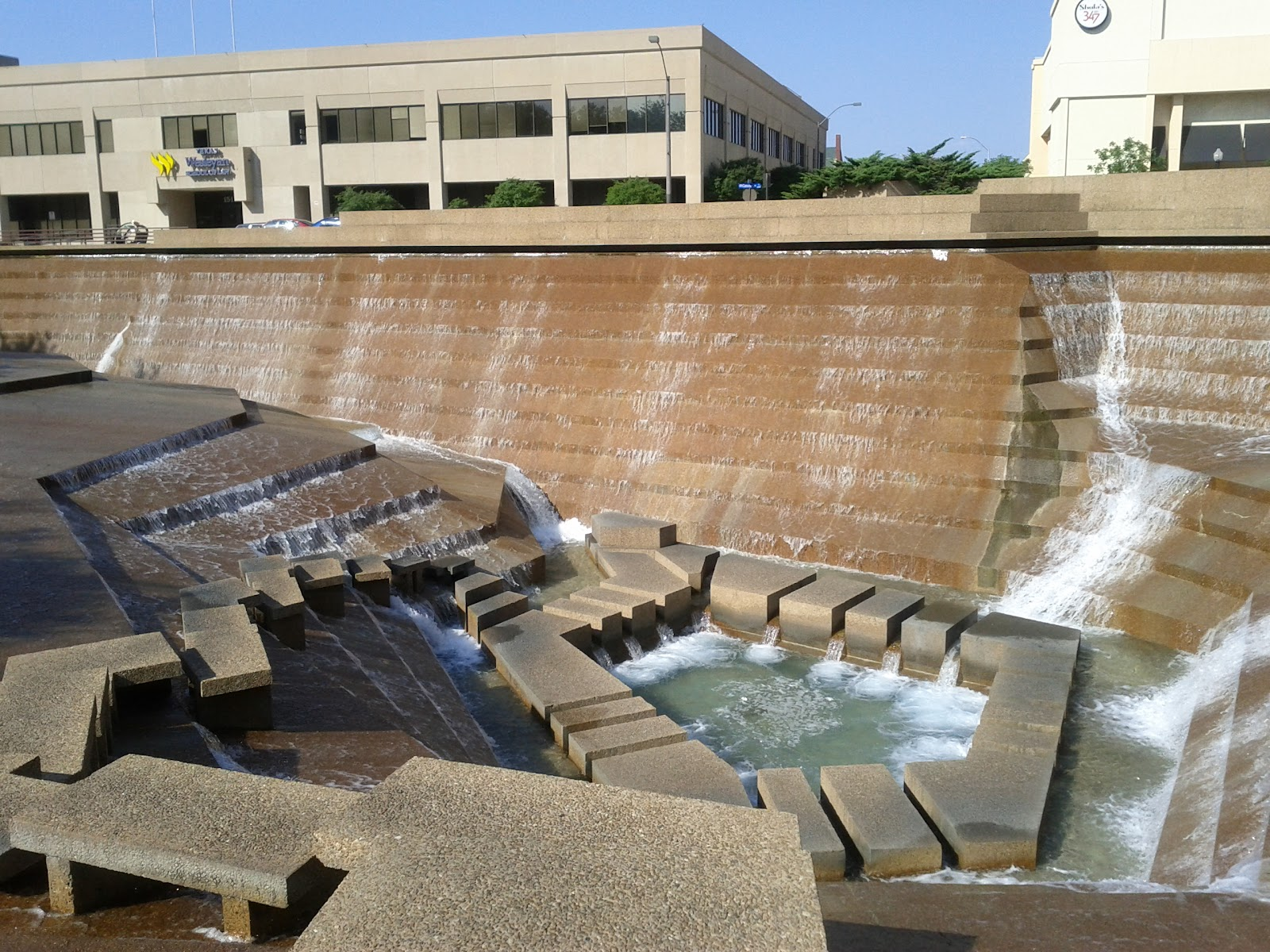 Dallas Fort Worth vacation - IMG_20110611_172854.jpg