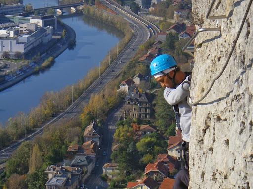 Via ferrata les prises de la bastille à Grenoble, urbain mais aérien!