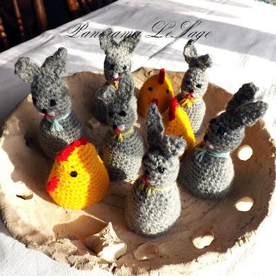 Kurczaki zajączki instrukcja jak zrobić ozdoby szydełkowe na wielkanoc kurki koguciki jajka wielkanoc szydełkowe ozdoby na stół nakładki na jajka świąteczne Panorama LeSage wzory jak zrobić