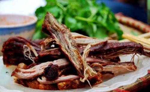 thit trau gac bep1 Thịt trâu gác bếp đặc sản Tây Bắc