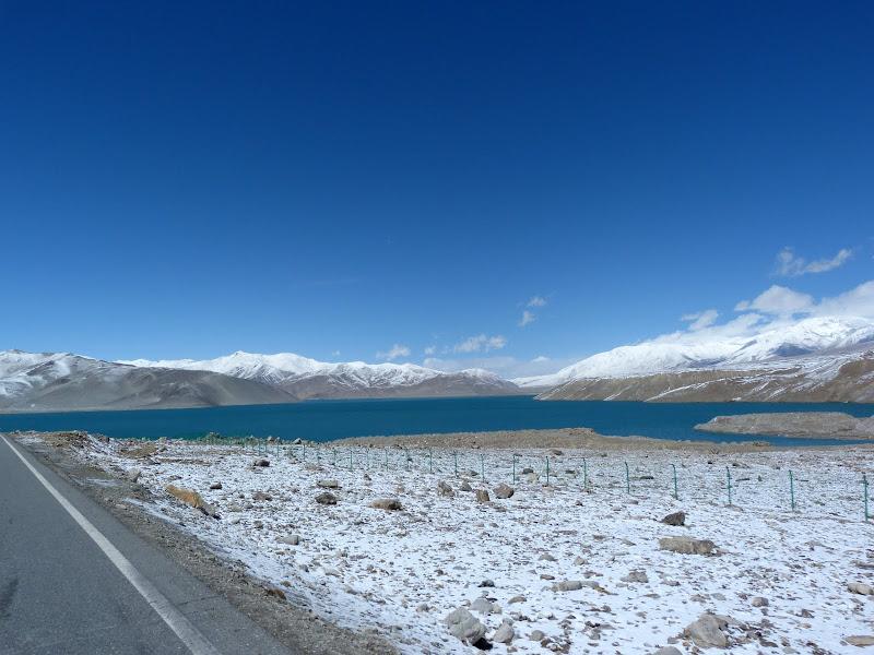 XINJIANG. Karakoram Highway, lune des plus haute route au monde, en passant a 4400 m - P1280485.JPG