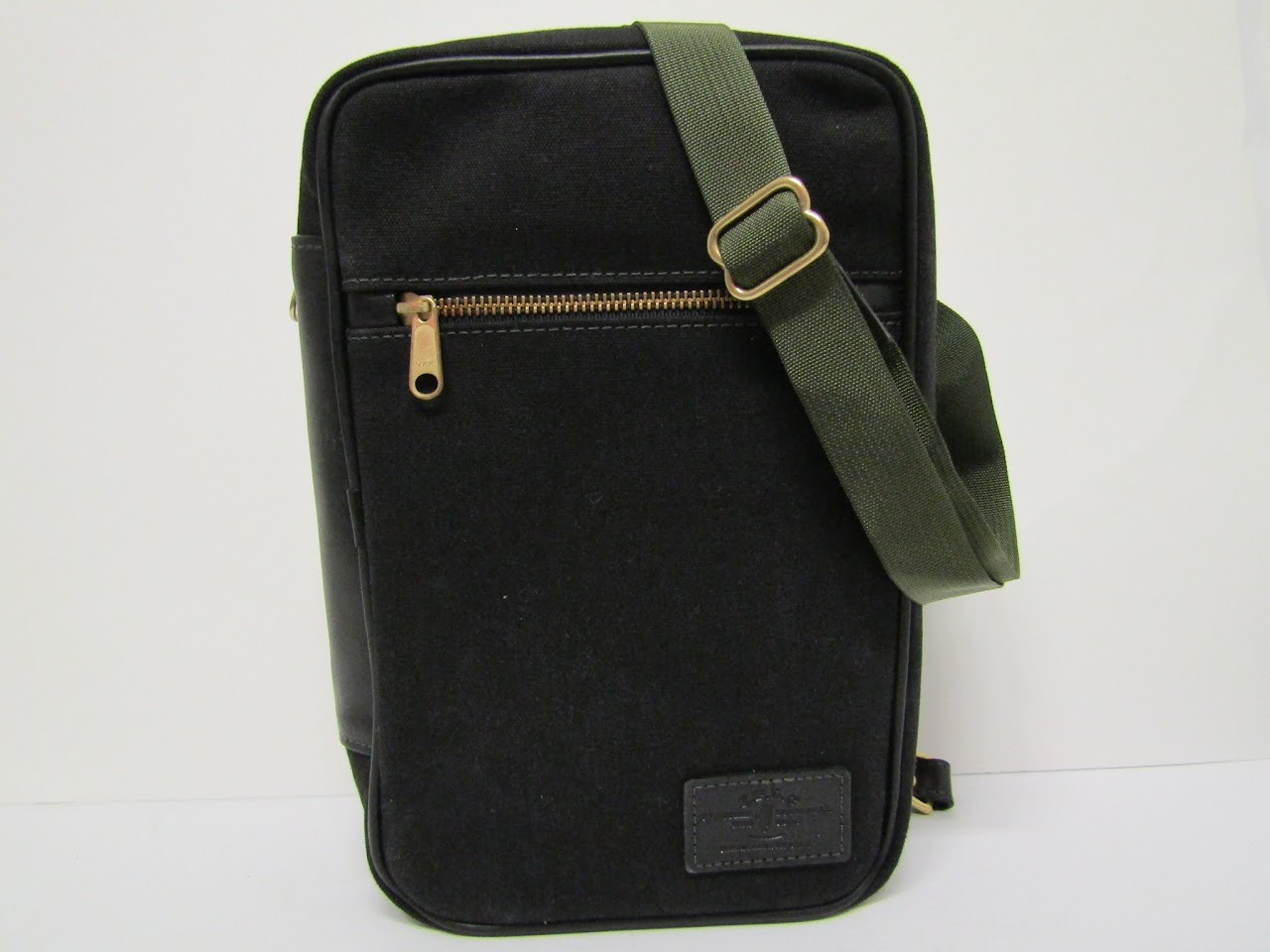 J. Panther Luggage Co. Travel Case
