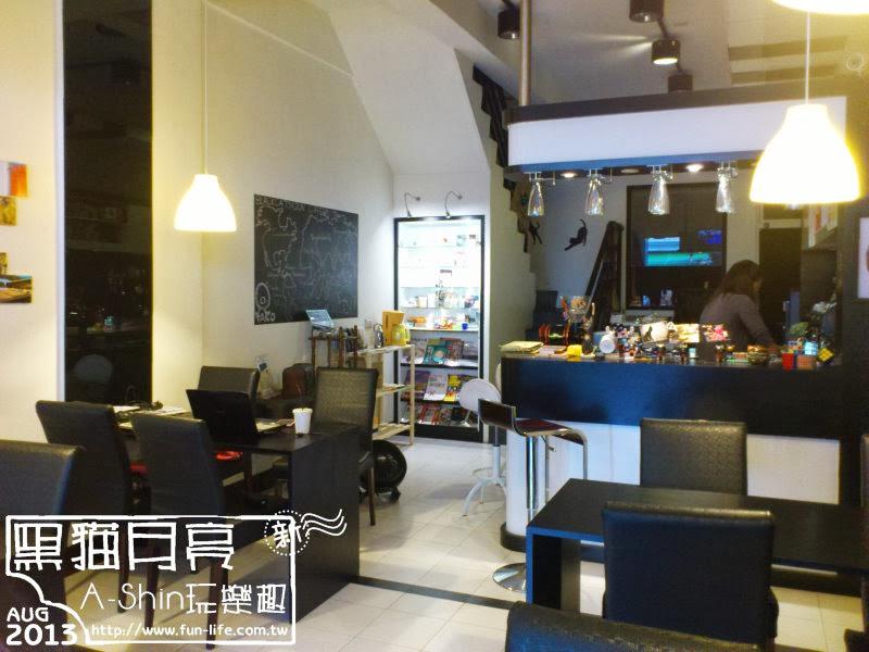 台中純咖啡館-黑貓月亮咖啡館