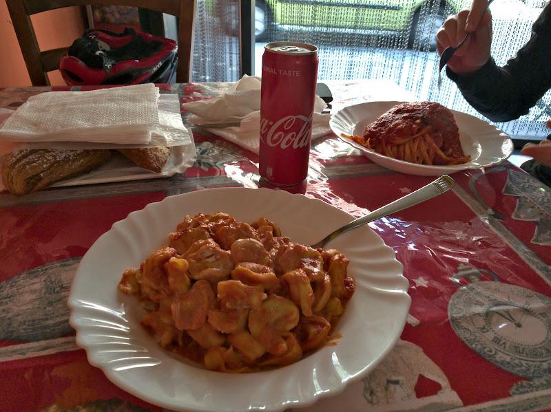 Fast food italian, cu Pasta ala Norma si Tortellini cu Ricotta.