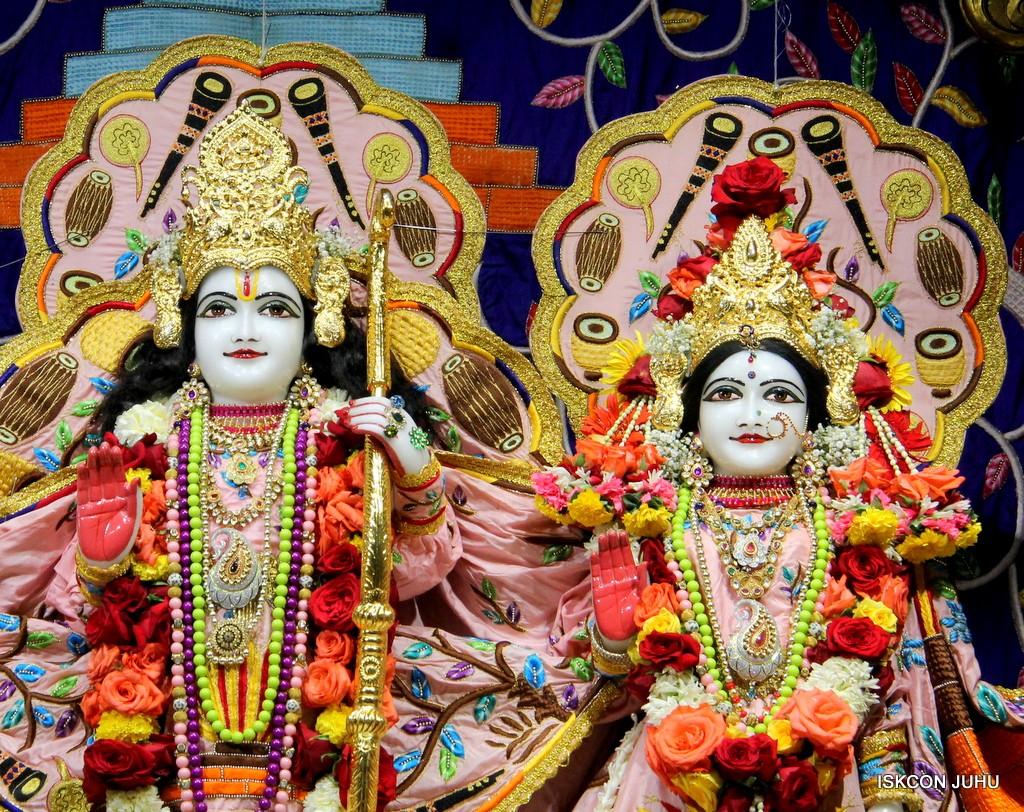 ISKCON Juhu Sringar Deity Darshan 10 Jan 2017 (58)