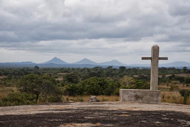 Ks. Józef Matyjek, SJ pisze z Polski, że żegna się z Mumbwa, Zambia po 13 latach - _DA32126c.jpg