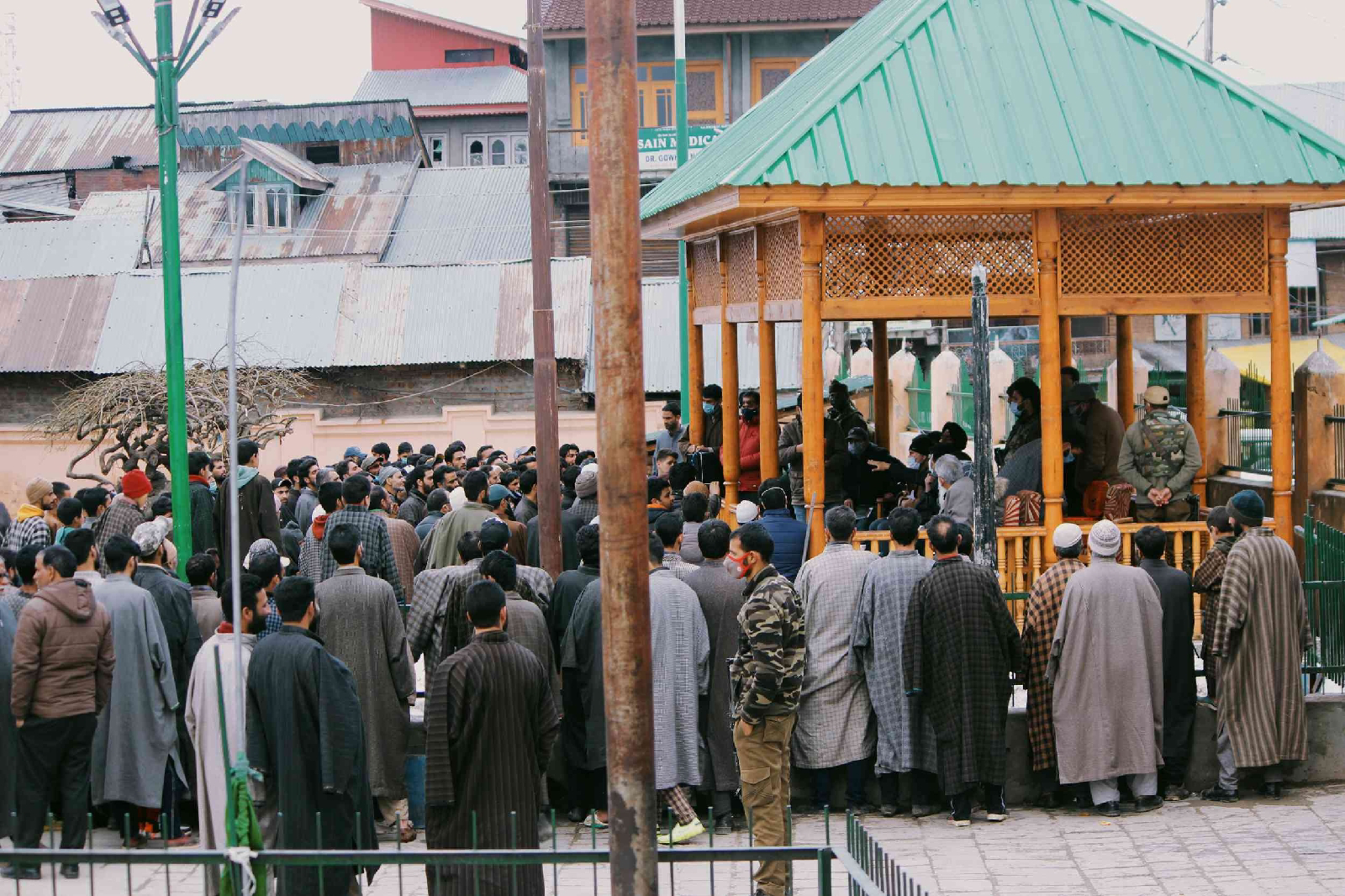 Locals of Budgam demand for merger with Pulwama district in JK'S Budgam village