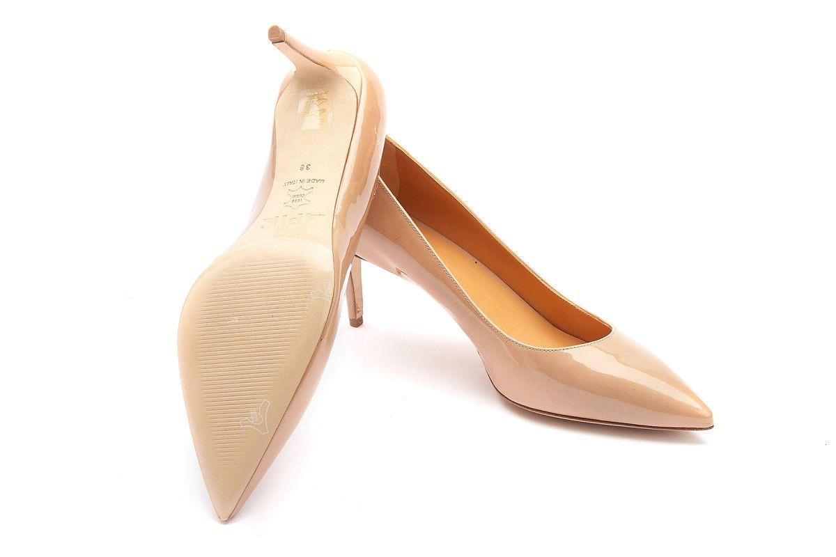 Modne obuwie na wiosnę 2021 -  Apia