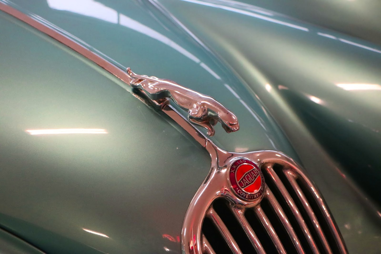 Carl_Lindner_Collection - 1953 Jaguar XK140 Coupe 06.JPG