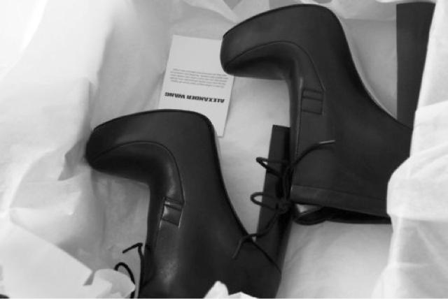 Black Shoes Addict