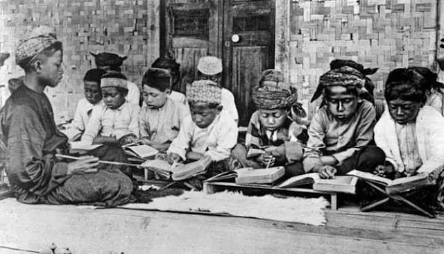 Media Kuno Belanda: Fanatisme Islam Akar Utama Perlawanan Nusantara