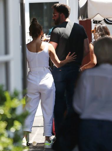 Jennifer Lopez & Ben Affleck Couldn't Keep Their Hands Off Each Other During Shopping Trip In LA!