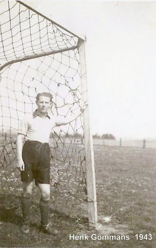 1943 (2).JPG