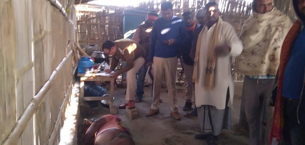 खगड़िया/बिहार: चौथी पत्नी ने अपने पति को नींद का टेबलेट खिलाकर धारदार हथियार से गला रेत कर की निर्मम हत्या।