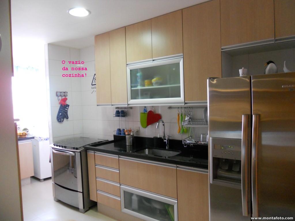 #644A32 cozinha é bem ventilada mas sinto um vazio em cima do fogão : ( 1024x768 px Projetos De Cozinhas Com Coifas #453 imagens