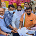 जनपद पंचायत नवागढ़ के सामने महात्मा गांधी जयंती मना कर।केंद्र सरकार किसान विरोधी के नारे लगाकर सभी कांग्रेसी उपस्थित होकर नवागढ़ तहसीलदार श्री संजय मिज जी को ज्ञापन सौंपा गया ।