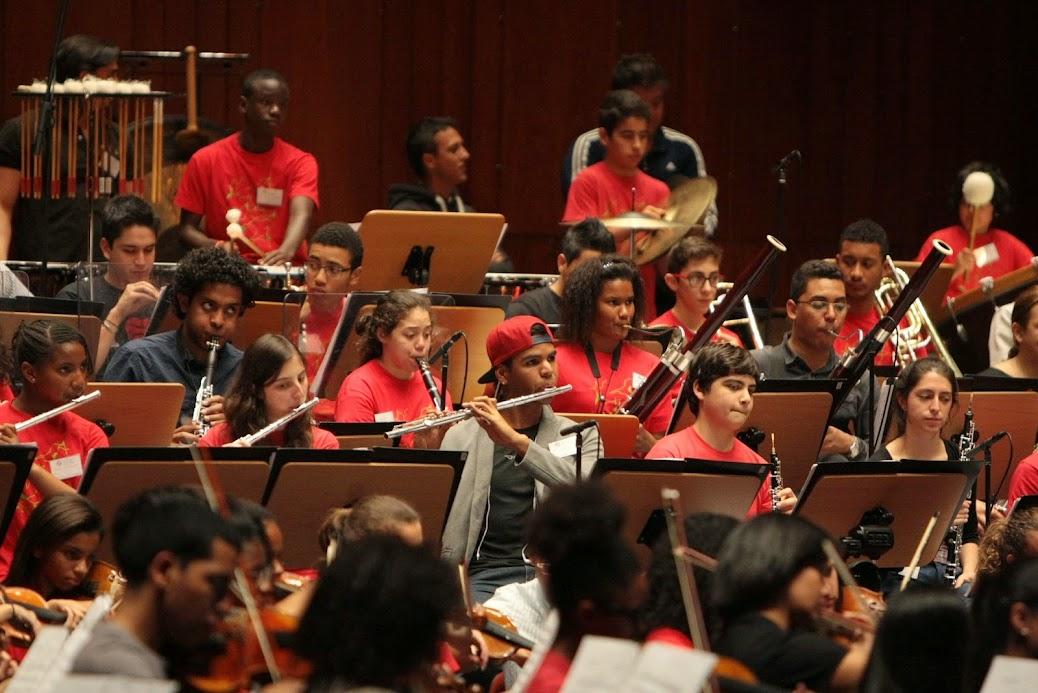 El deseo de intercambiar experiencias volvió  a permitir a la Sinfónica Juvenil Teresa Carreño y a la Orquesta Geração de El Sistema Portugal, comprobar que la barrera del idioma no tiene cabida dentro de la música. La camaradería y el disfrute fueron proyectadas hacia el público asistente al encuentro que las agrupaciones tuvieron en Lisboa