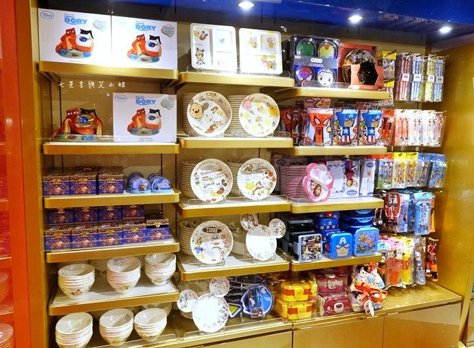 32 香港機場 迪士尼奇妙店 買達菲熊免進迪士尼樂園