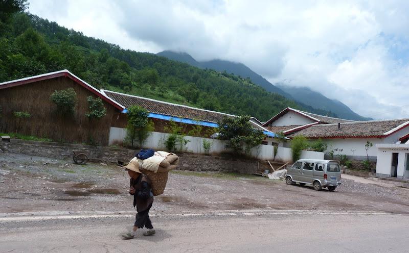 CHINE SICHUAN.XI CHANG ET MINORITE YI, à 1 heure de route de la ville - 1sichuan%2B821.JPG