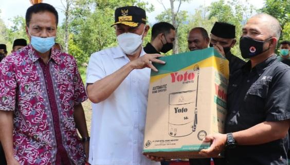 Kembalikan Kejayaan Pertanian Kabupaten Solok, Mahyeldi Serahkan Bantuan Pada Petani Nagari Talang