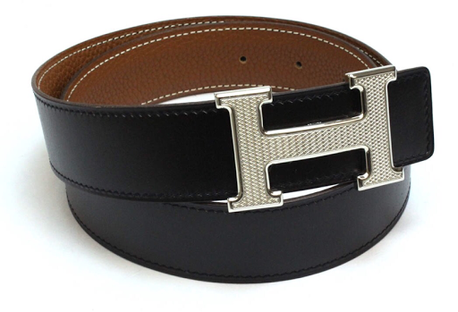 2aeafe8b20e70 The Hermes belt could be spotted from time to time with the distinctive H  buckle. Always the steel and never the gold color. And more often the smooth  ...