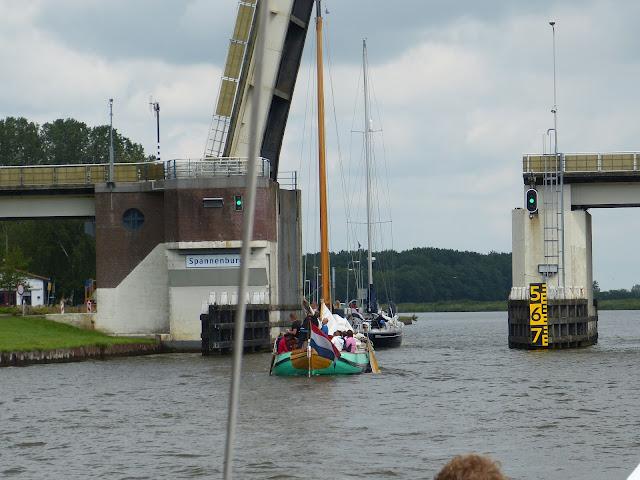 Zeilen met Jeugd met Leeuwarden, Zwolle - P1010406.JPG