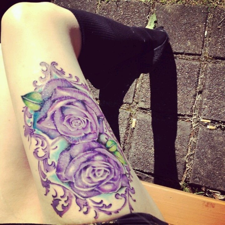 lindas_rosas_coxa_tatuagem