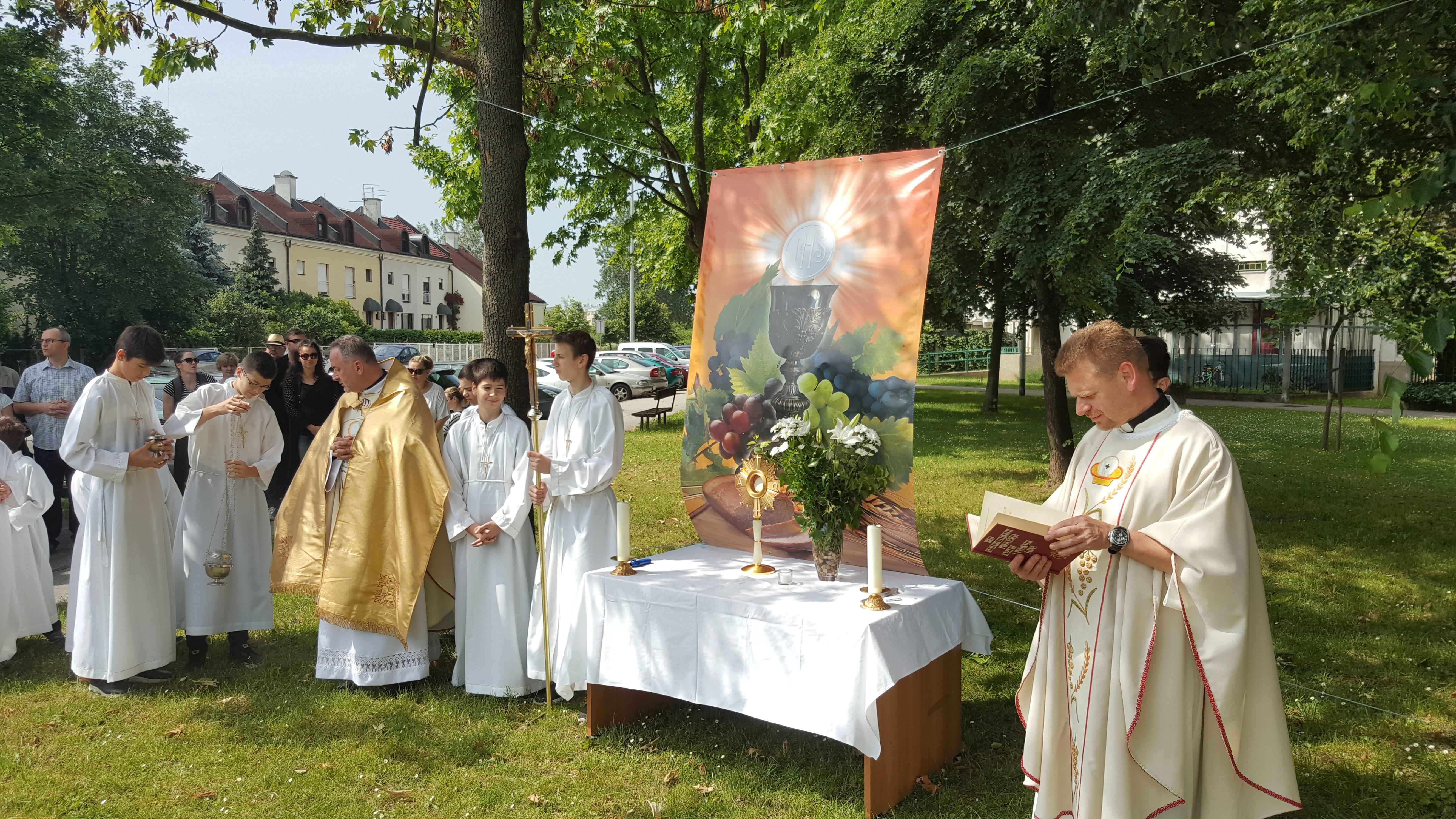 Tijelovska Procesija Nase Zupe Rođenja Marijina U Naselju Borovje