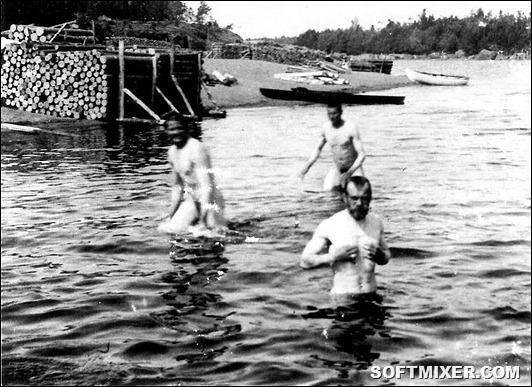 1397757759_imperatorskoe-vysochestvo-nikolay-ii-s-gvardeycami-preobrazhenskogo-polka.-1913-g.-finskie-shhery