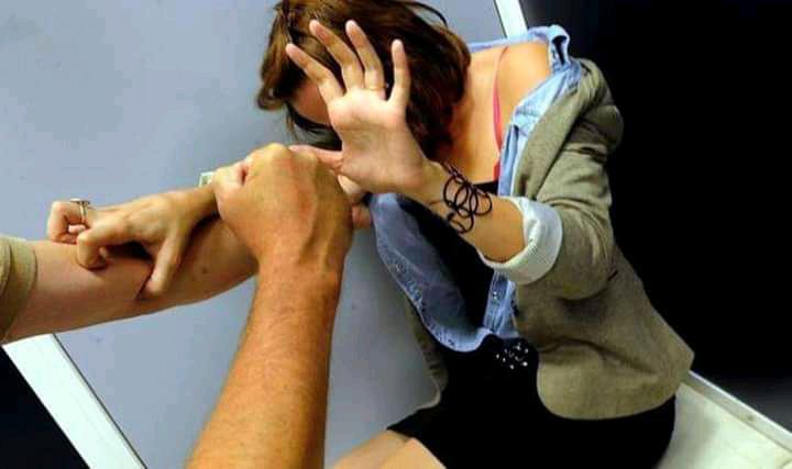 إغتصاب فتاة مصابة بفيروس كورونا في سيارة إسعاف......