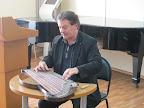 профессор частного университета им. А. Брукнера, ведущий исполнитель на австрийской цитре  ШАРФ Вилфирд  (Австрия)
