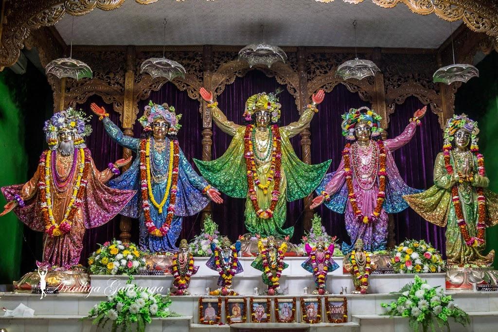 ISKCON Mayapur Deity Darshan 14 Jan 2017 (45)