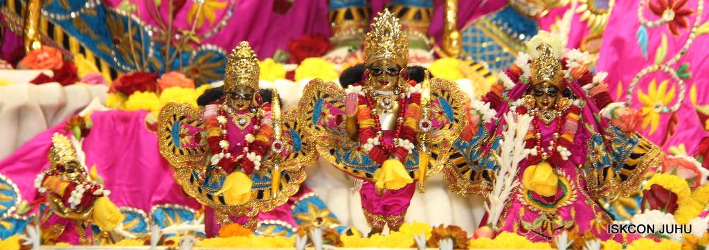 ISKCON Juhu Sringar Deity Darshan on 2nd Oct 2016 (37)