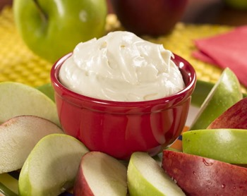 Fluffy-Cream-Cheese-Fruit-Dip_Large600_ID-1117410