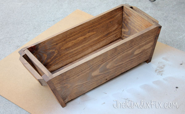 Planter box from one board