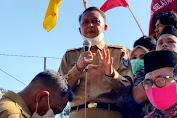 Nurdin Abdullah Tenangkan Massa Aksi dengan Penjelasan Sejuk Tentang UU Omnibus Law