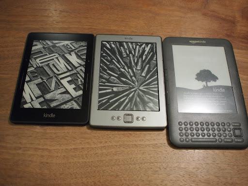 [写真]我が家の歴代Kindle